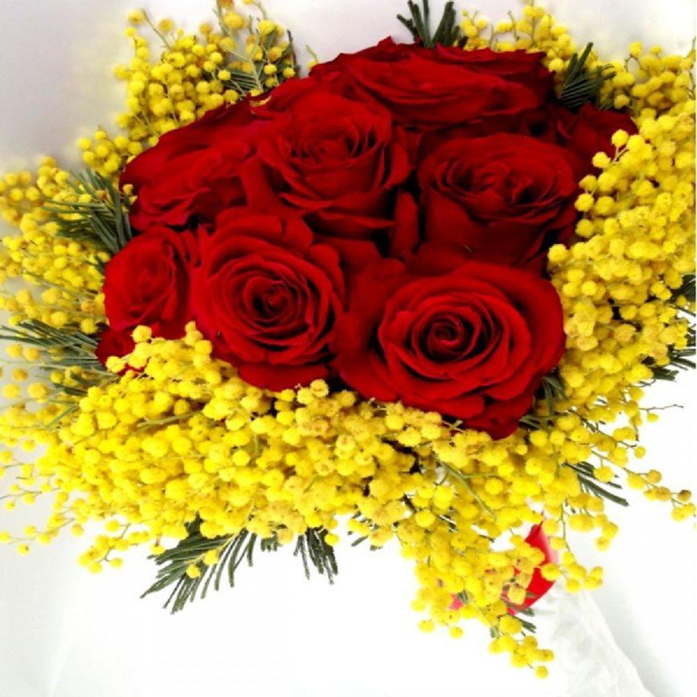 Risultato immagini per mazzo di fiori mimosa e rose